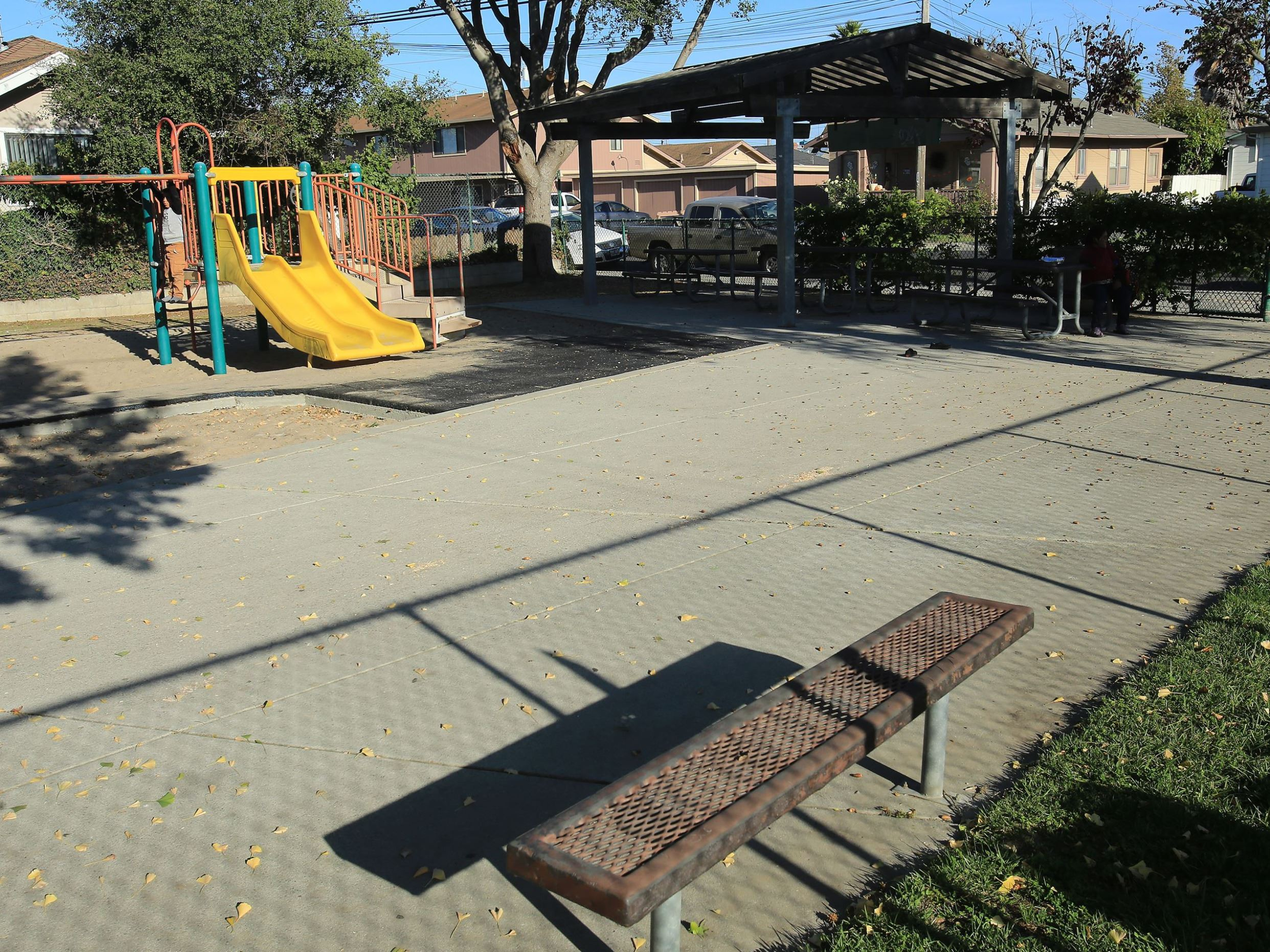 Kearney park playground structure and covered picnic area
