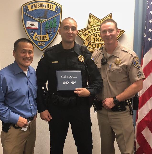 Officer Alex Zamora receives CHP award
